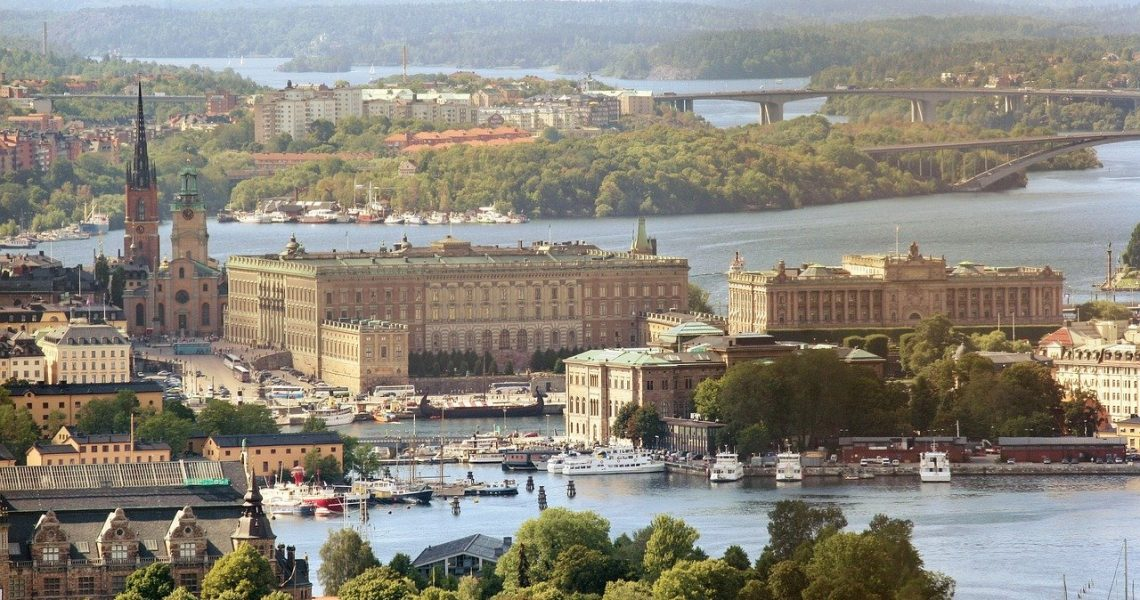 the-royal-palace-377913_1280